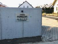 Brama wjazdowa na Osiedle Popielove